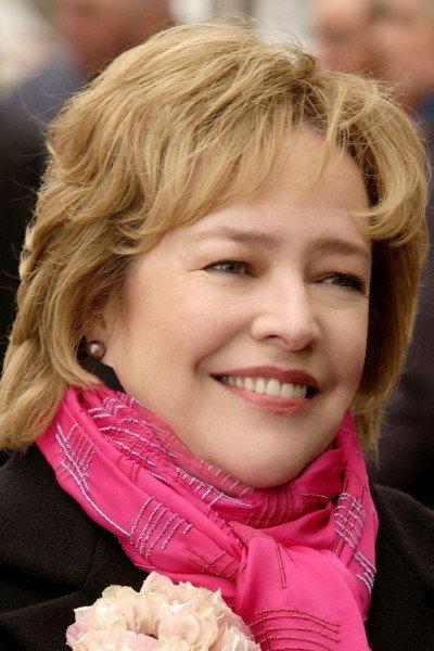 Кэти Бейтс