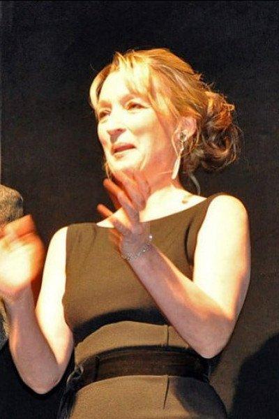 Лесли Мэнвилл