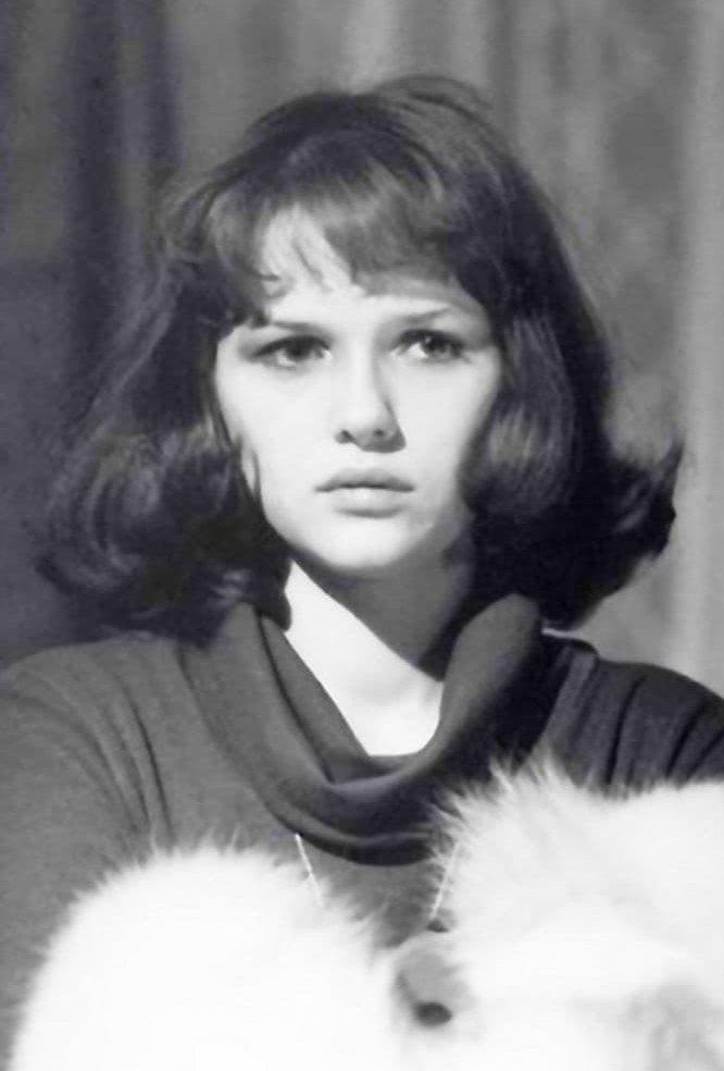Александра Иванес